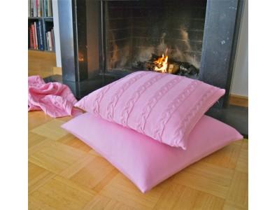 Lenz & Leif Zopfmusterdecke und Kissen rosa